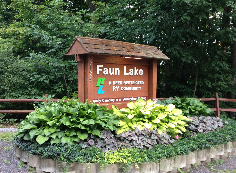 faun lake sign